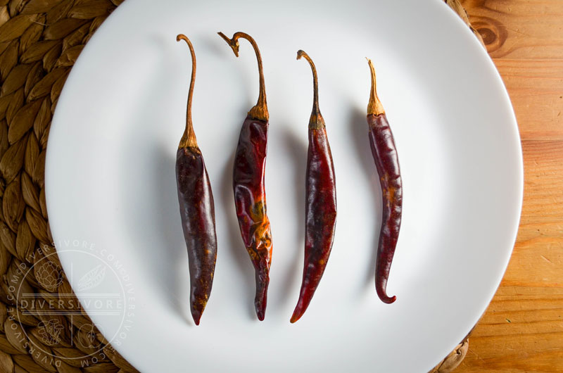 Puya chilies - dried, hot red chilies with a fruity flavour and a sharp taste - Diversivore.com