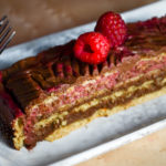 Chocolate and graham wafer icebox cake with raspberry and rose - Diversivore.com