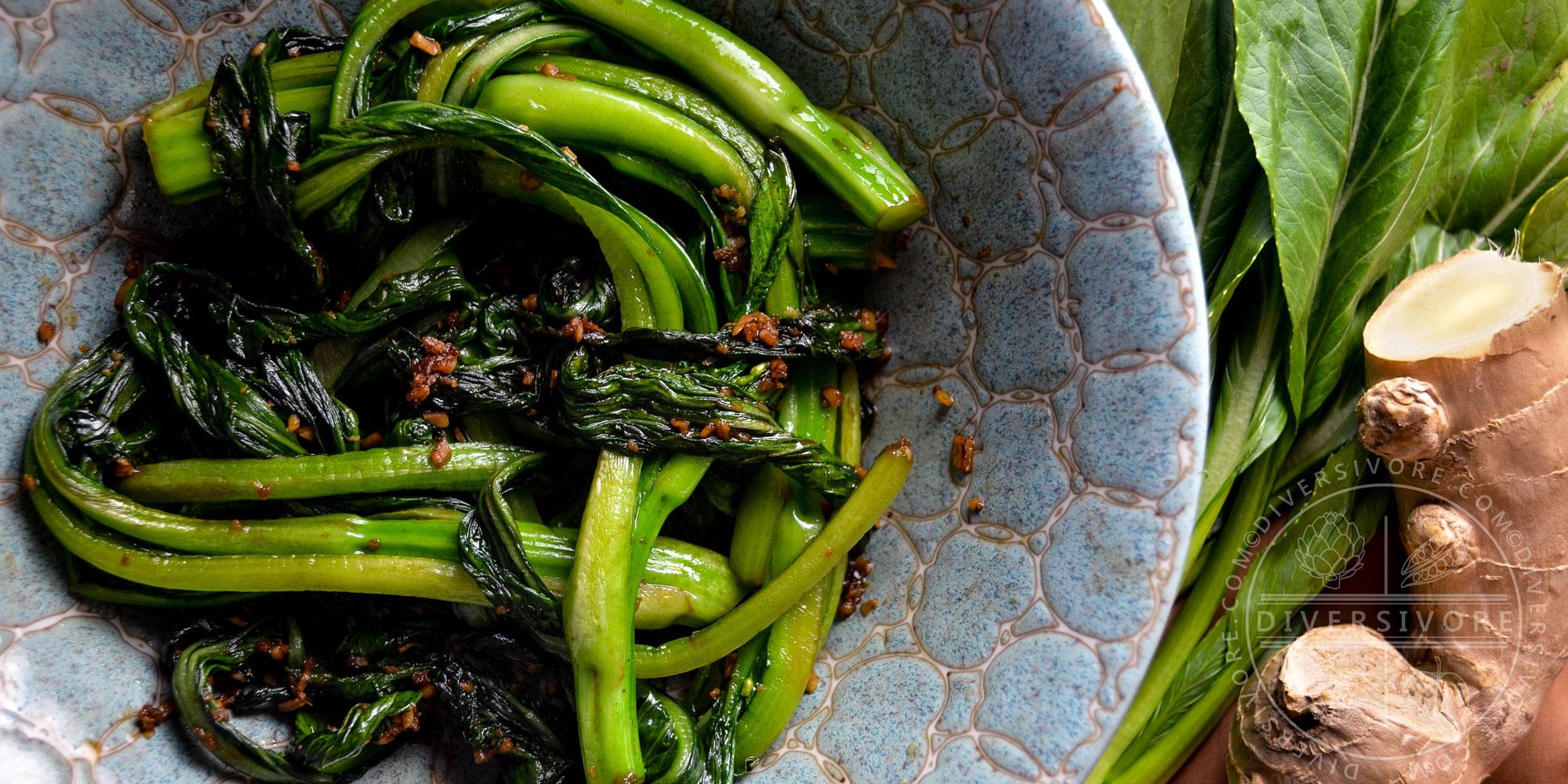 Stir fried yu choy sum with ginger and garlic - Diversivore.com