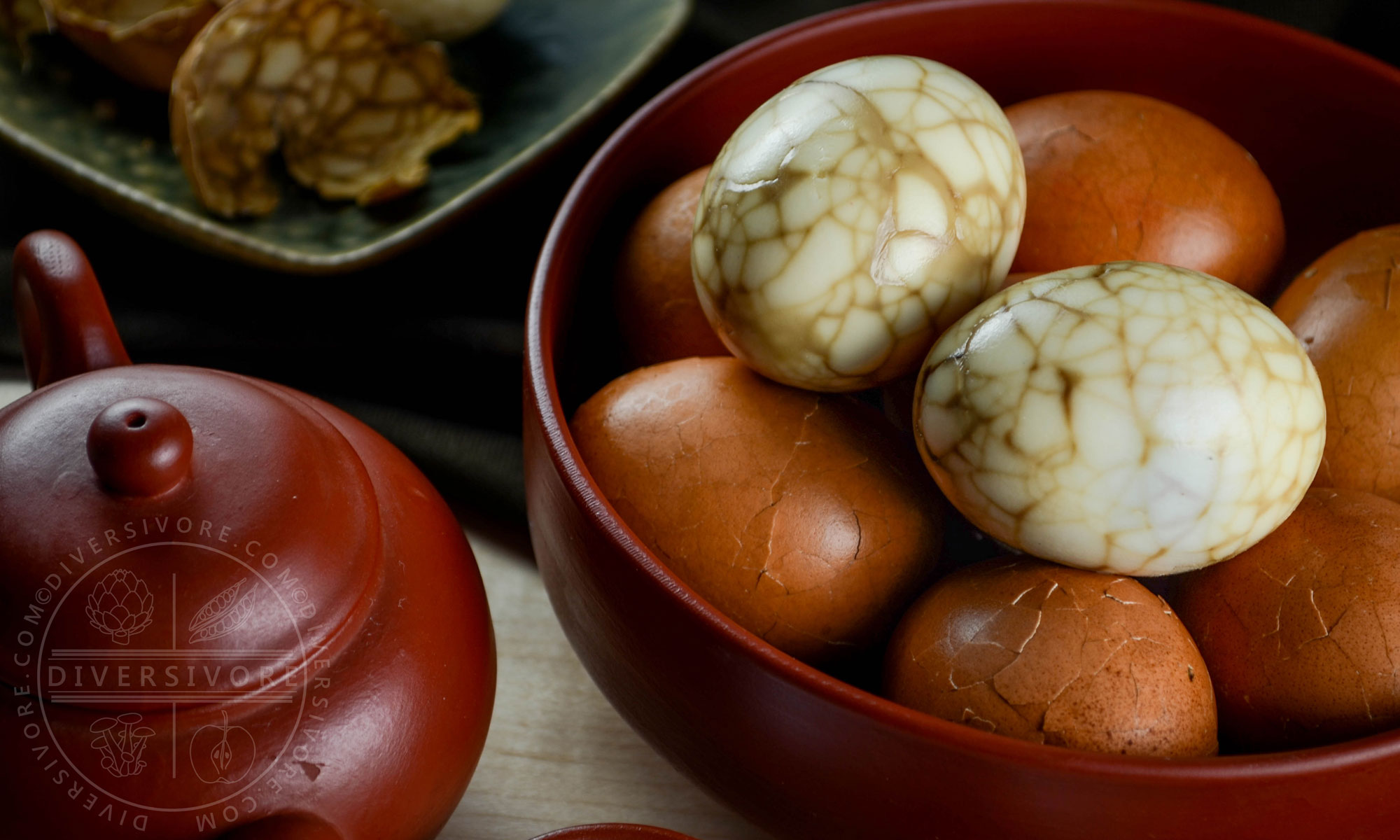 Taiwanese Tea Eggs - Hard boiled eggs steeped in Taiwanese tea and a mixture of spices - Diversivore.com